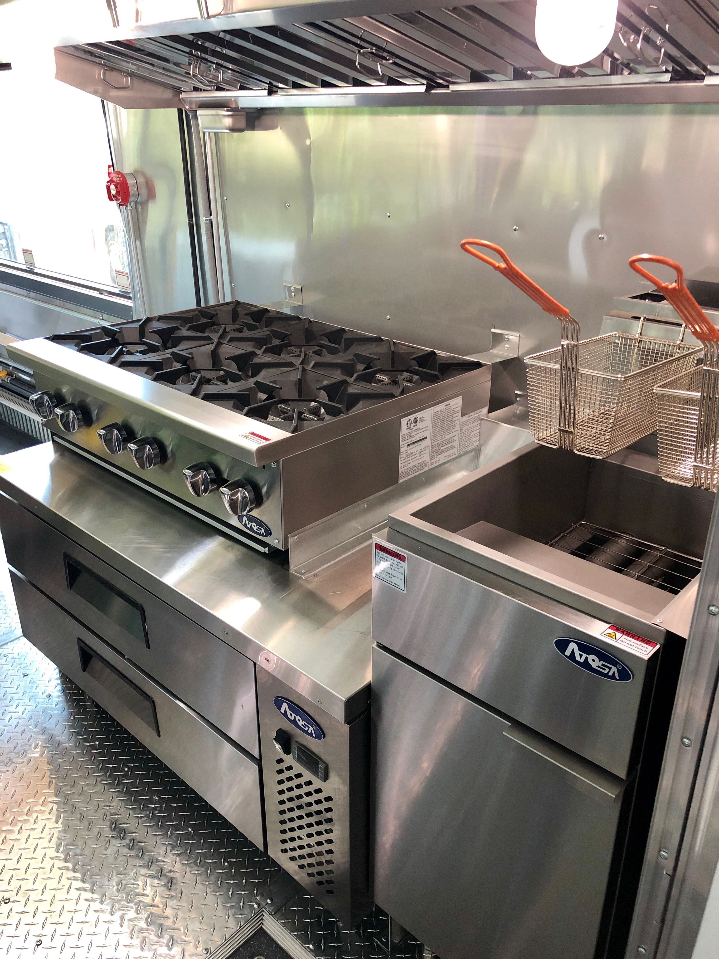 Custom Foodtruck Diner Kitchen
