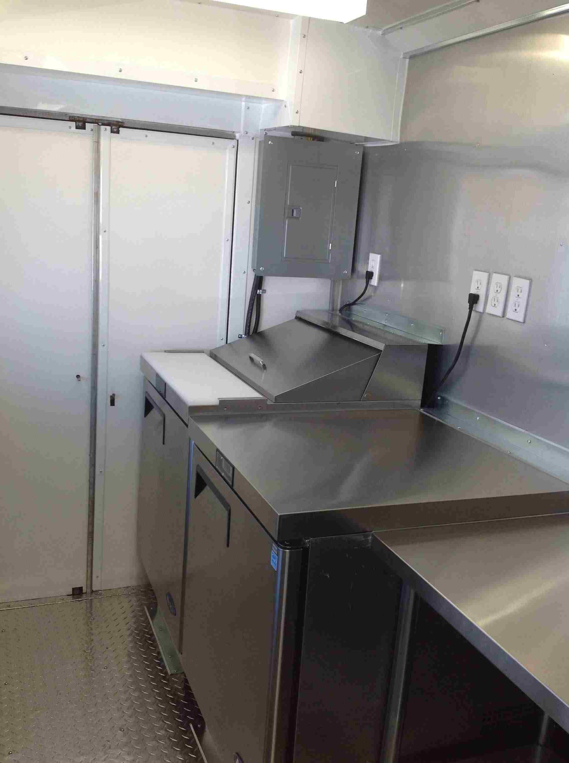 Foodtruck Interior Kitchen to Code