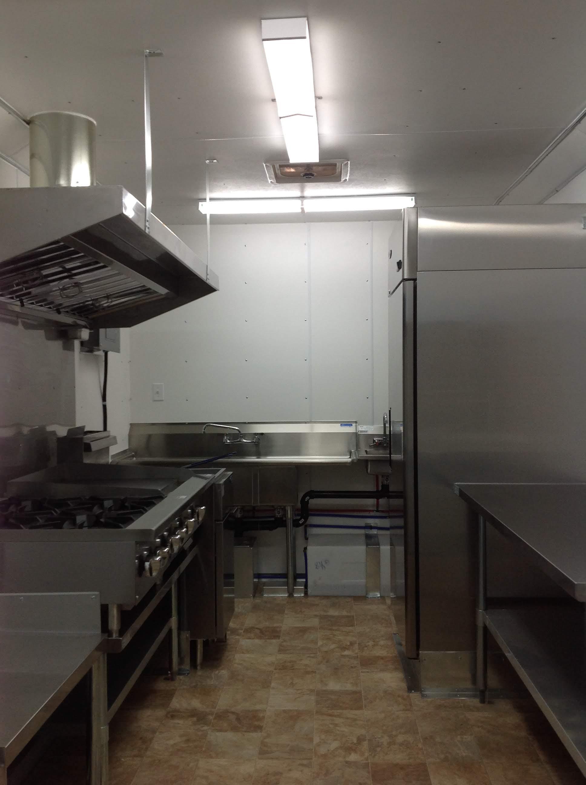 Trailer 10 Custom Kitchen Foodtruck 1