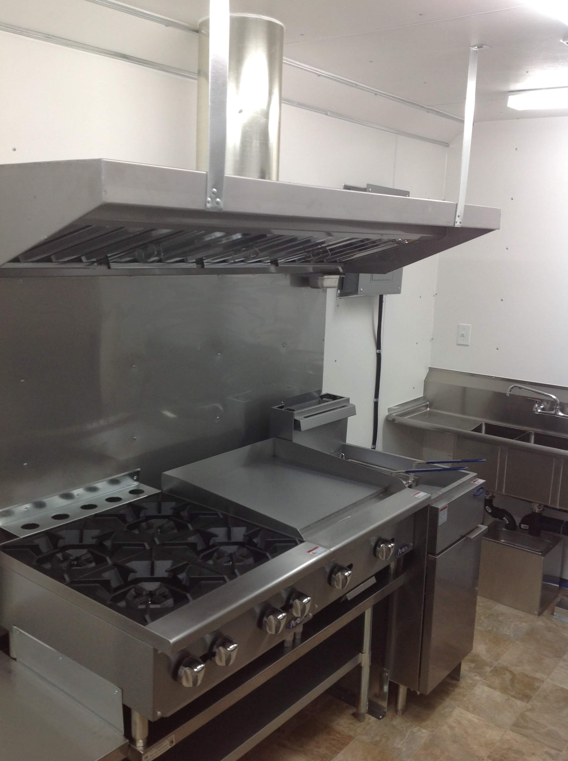 Trailer 10 Custom Kitchen Foodtruck 3