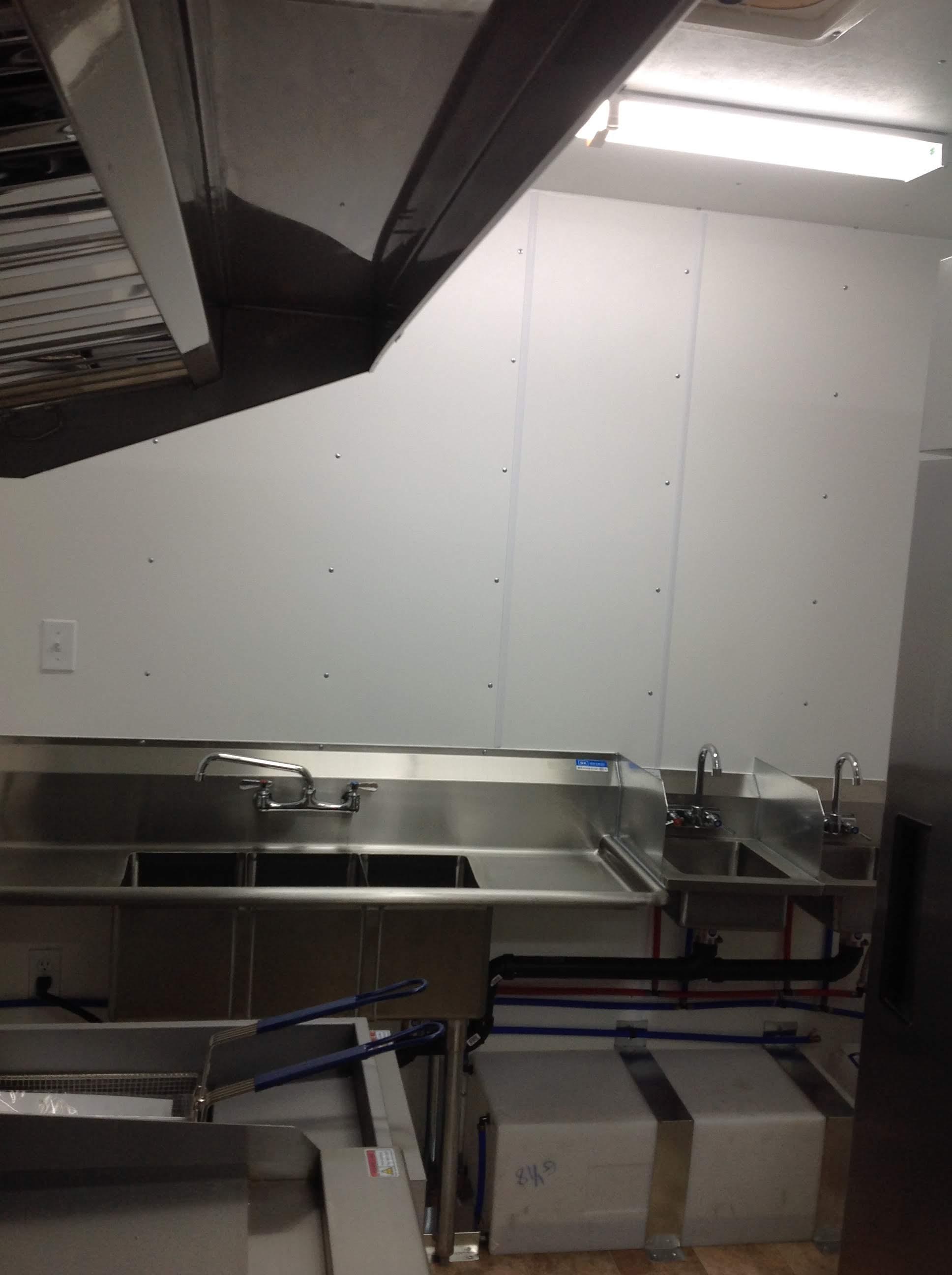 Trailer 10 Custom Kitchen Foodtruck 4