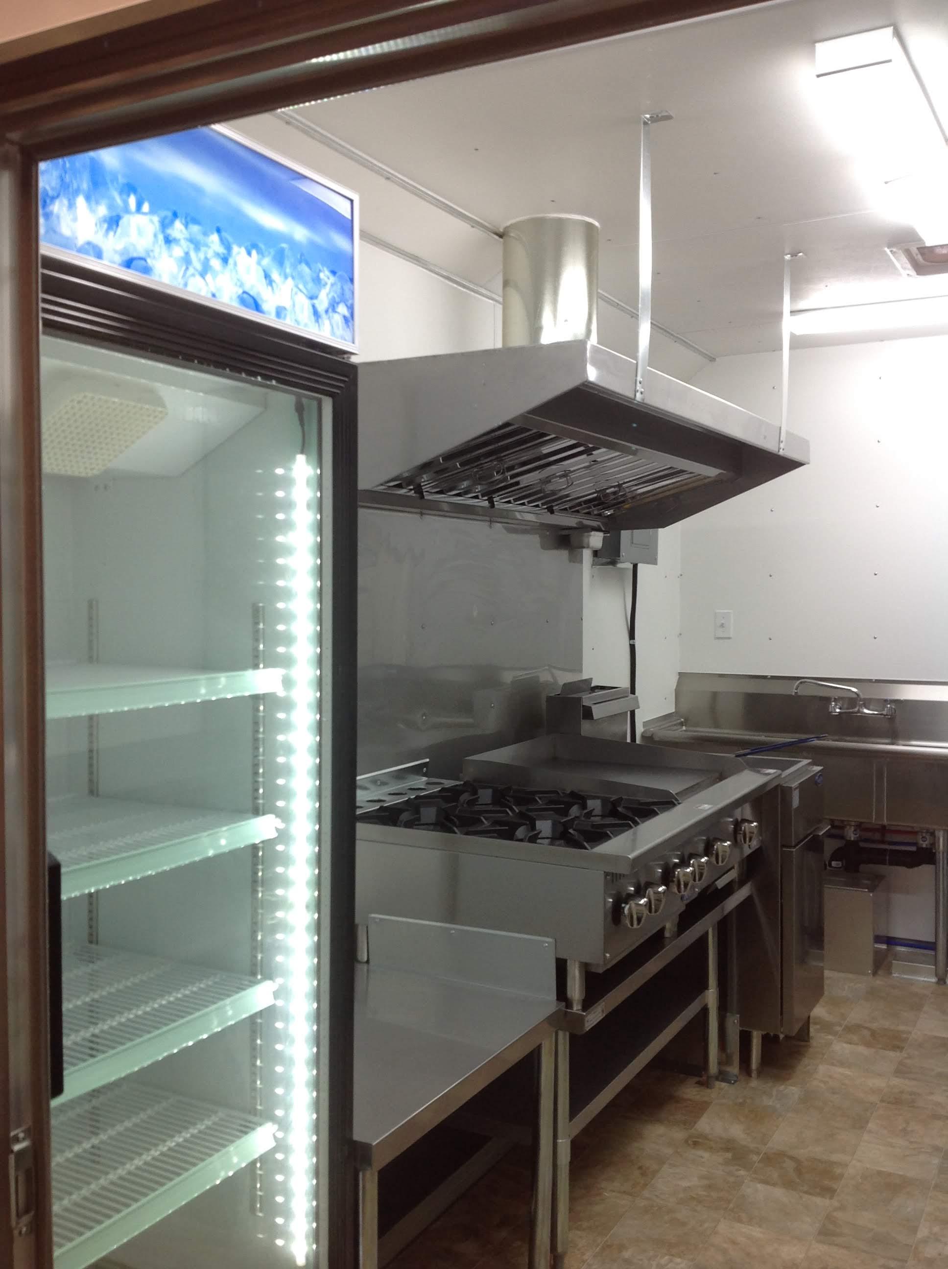 Trailer 10 Custom Kitchen Foodtruck