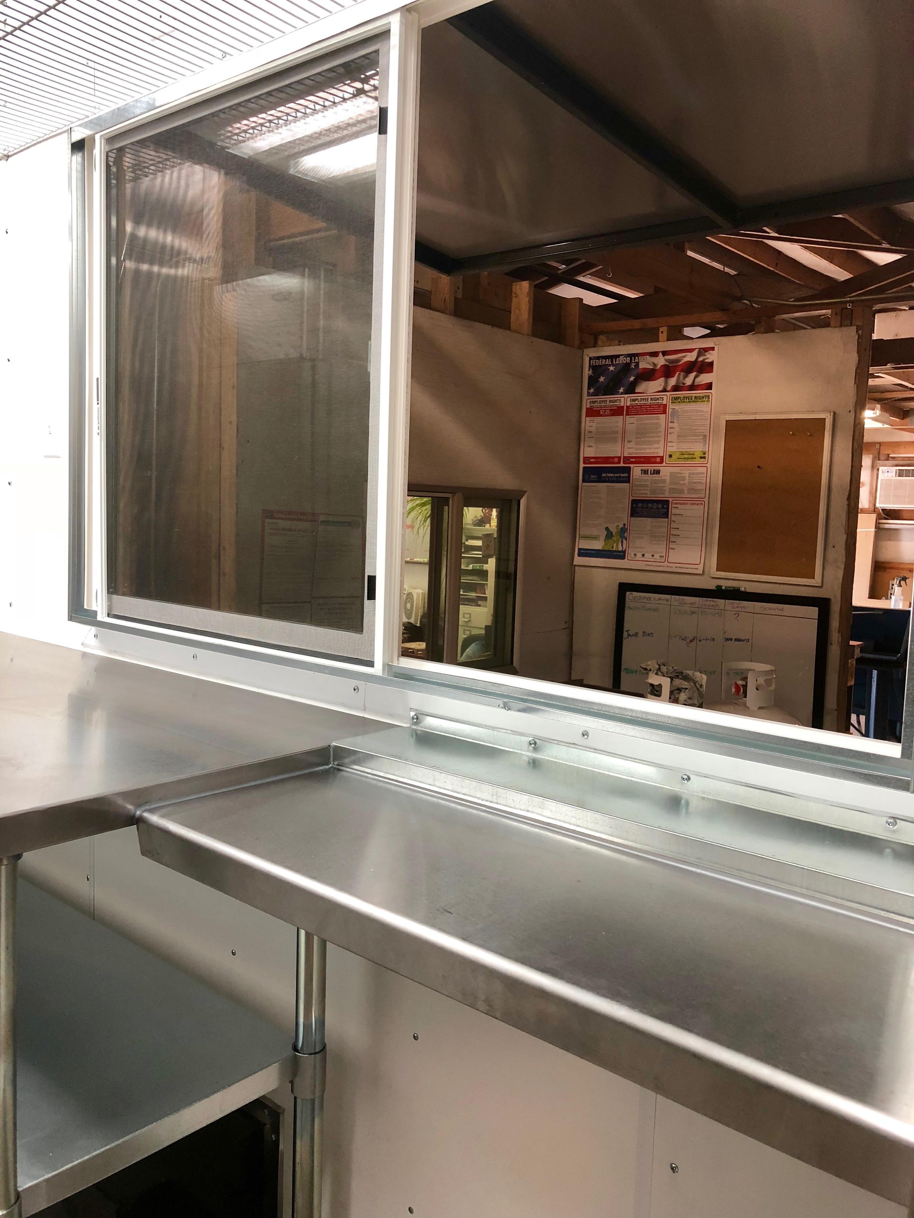 Foodtruck convenience window 13