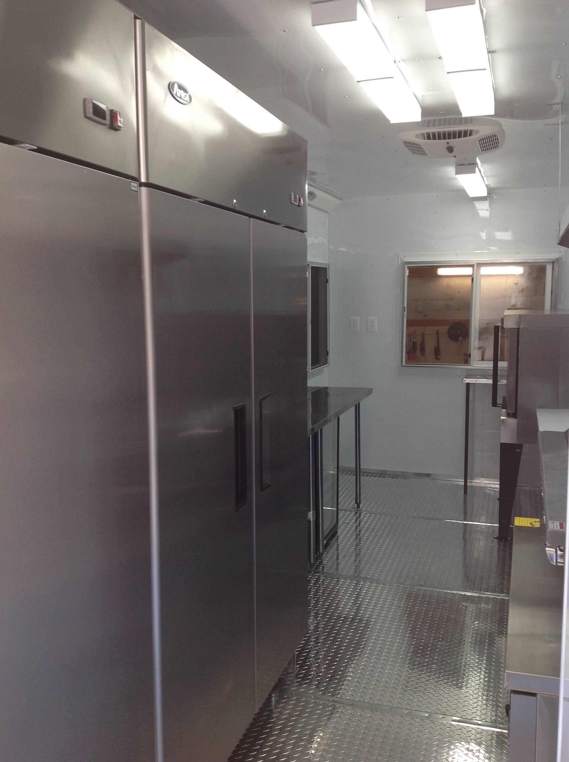 Innovative foodtruck interior 14