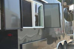 Foodtruck order window 14