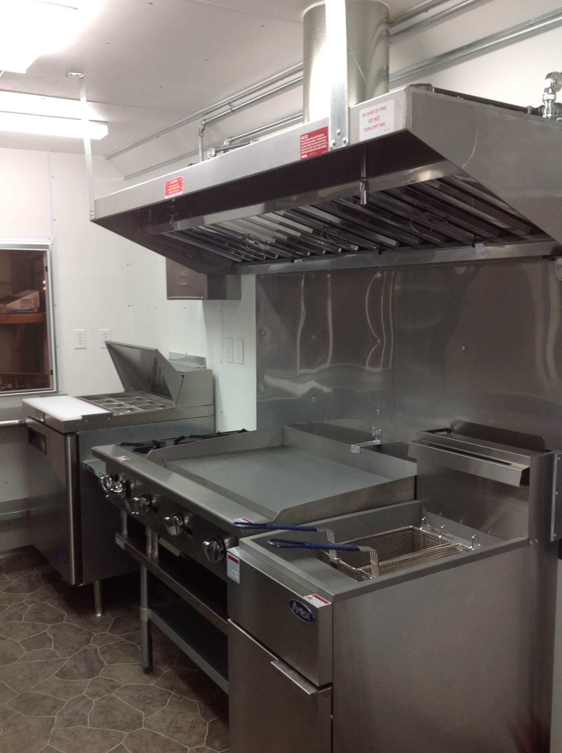 Trailer 9 Custom Foodtuck Kitchen 1