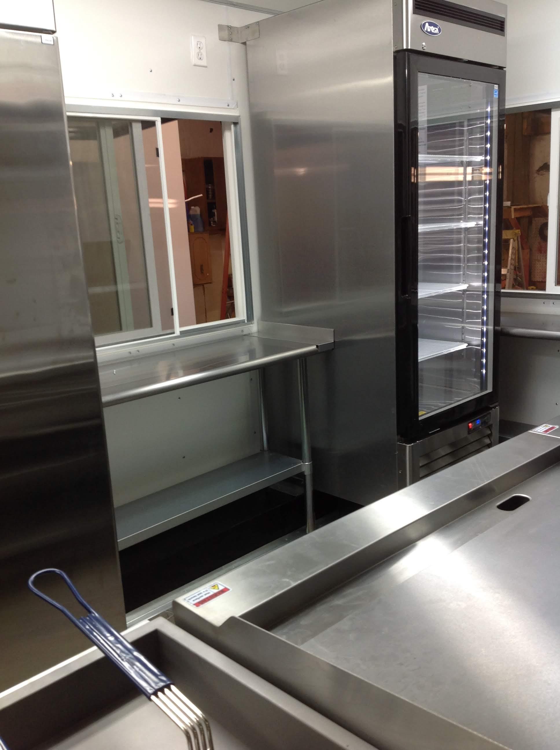 Trailer 9 Custom Foodtuck Kitchen 3