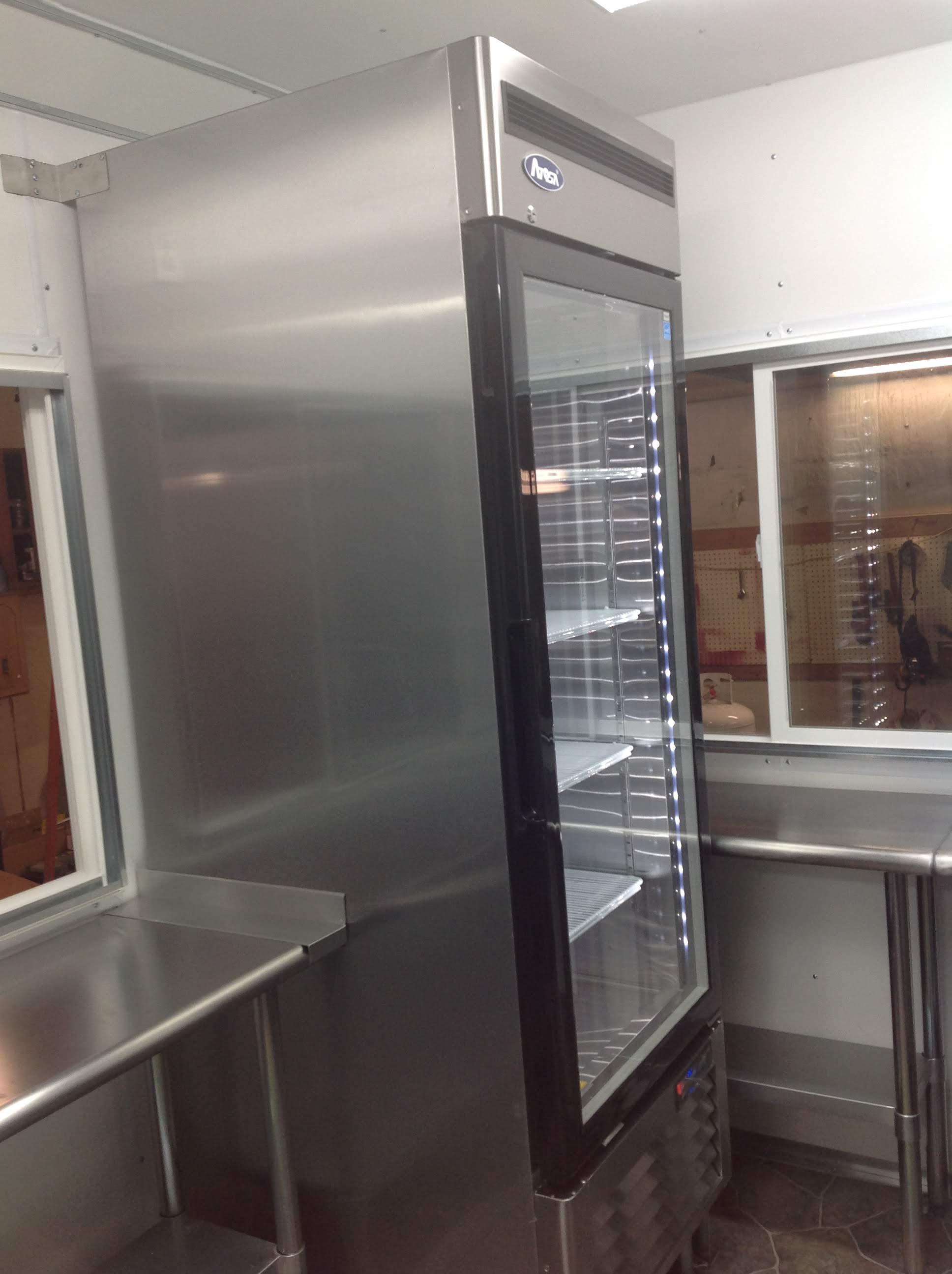 Trailer 9 Custom Foodtuck Kitchen 5